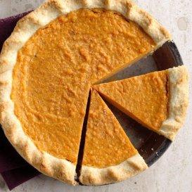 Sweet-Potato-Pie_EXPS_GHBZ18_1203_B08_15_3b-696x696